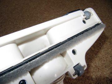 すき間防止テープで掃除機ノズルを強化