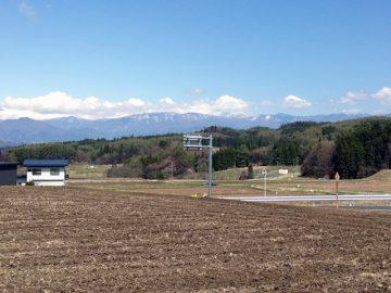 飯綱山麓から志賀高原を臨む