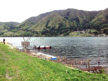 木崎湖)ここからウェイクボードがテイクオフ