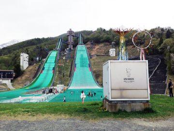 白馬スキージャンプ場)聖火台とノーマルヒル,ラージヒル