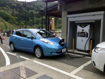 道の駅「小谷」では電気自動車のチャージができる。