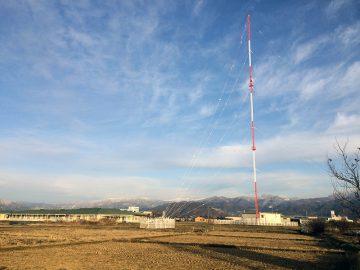 近所のラジオ電波塔
