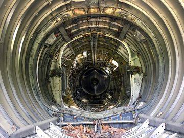 F104ジェット戦闘機「スターファイター」エンジンが抜かれてた跡